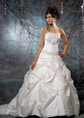 Wedding Dresses. Tumblr_ktuhztnp3e1qausdfo1_400
