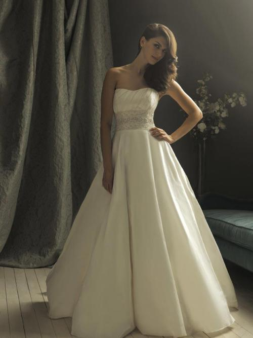 Wedding Dresses. - Page 8 Tumblr_lcl187gHBk1qdxzgvo1_500
