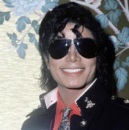 Raridades: Somente fotos RARAS de Michael Jackson. - Página 3 Tumblr_leodrrmfwx1qbw910o1_500