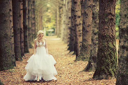 Wedding Dresses. - Page 4 Tumblr_lk48g3drPr1qausdfo1_500