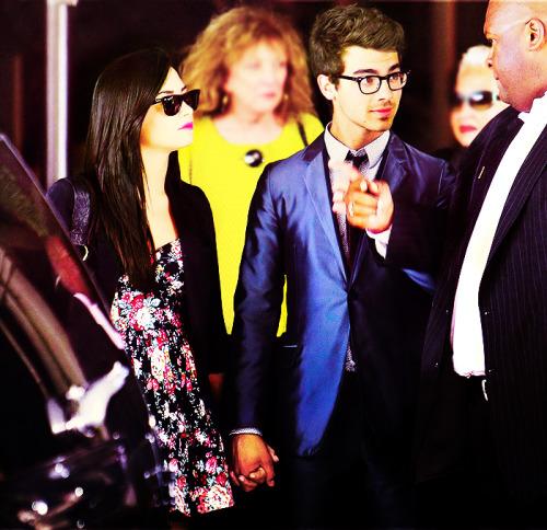 Joe Jonas and Demi Lovato. - Page 3 Tumblr_lk8sbgUTK61qh4lvco1_r3_500