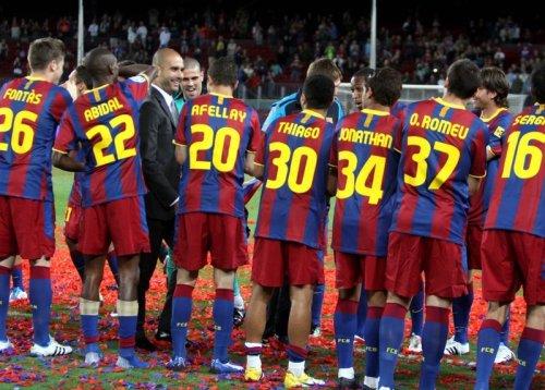 فيسكا بارسا ... فيسكا كتالونيا  صور احتفالات اللاعبين بعد مباراة الديبور   Tumblr_ll9h14jJbF1qcjtfao1_500