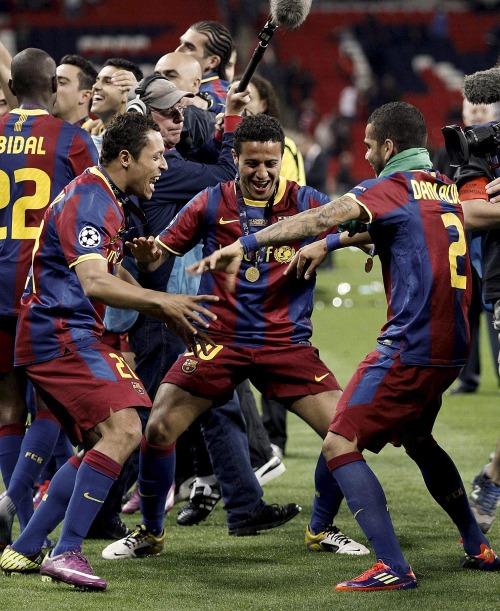 صور اضافية عن لقاء برشلونة ضد المان بعد المباراة  Tumblr_llxjtqAoJj1qcjtfao1_500