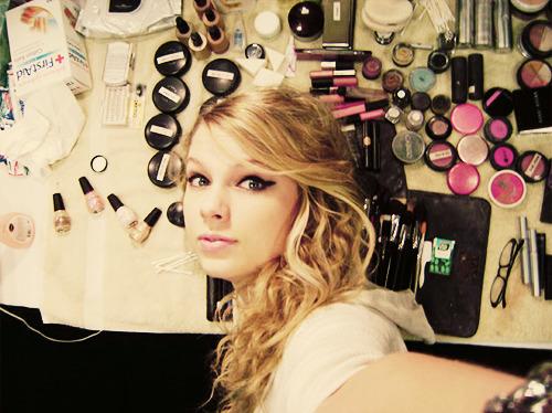 Taylor Swift - Page 5 Tumblr_lnzrhcohZz1qhzlkao1_500
