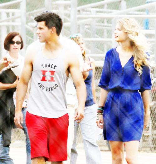 Taylor Swift and Taylor Lautner. Tumblr_lo3ed5Gr1j1qe8ox0o1_500