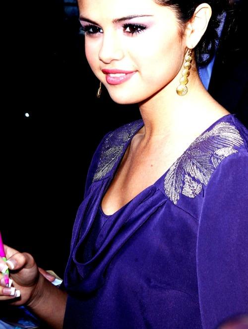 Selena Gomez - Page 40 Tumblr_lppyspPDQ71qm0x5fo1_500
