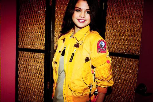 Selena Gomez[2] - Page 4 Tumblr_lpuv90OVRA1qejv4ko1_500