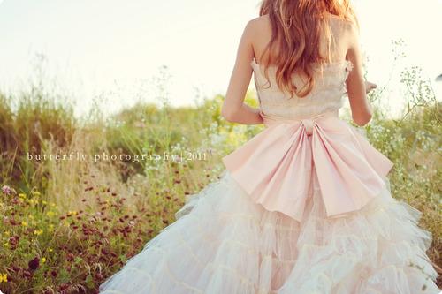 Wedding Dresses. - Page 6 Tumblr_ltk7armsLt1qajjdco1_500