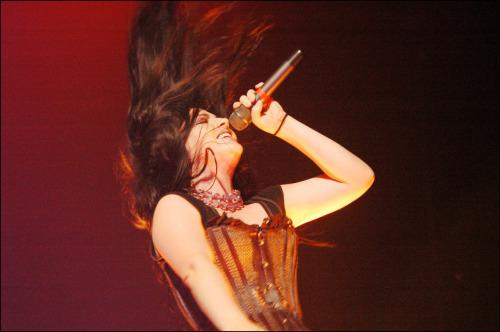 Evanescence - Page 2 Tumblr_lvsp5wkaen1r50ynxo1_500