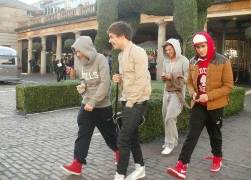 One Direction[4]. Tumblr_lwawt5saCv1qjx95fo1_500