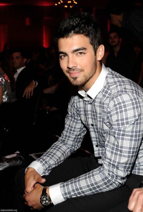 `Joe Jonas` - Page 39 Tumblr_lwsm63BrGE1r5rivho1_500