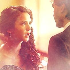 Damon & Elena ♥ Tumblr_lxpm05pneP1qbkhhbo2_250