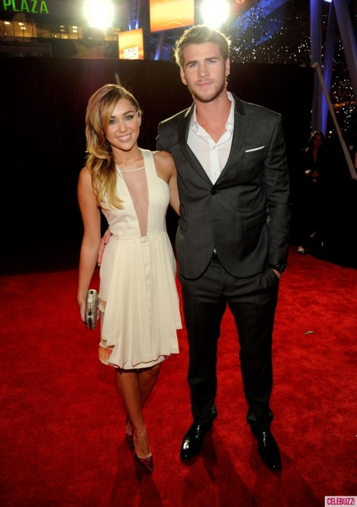 Miley Cyrus and Liam Hemsworth. - Page 4 Tumblr_lyb0qzS5Xe1qgvcnlo1_500