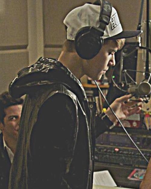 Justin Bieber - Page 37 Tumblr_lyoiu4svQp1qjx39do1_500