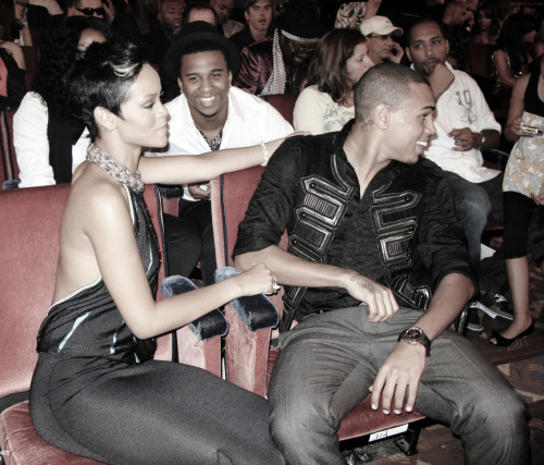 Chris Brown and Rihanna. Tumblr_lzk29bQs4f1r71wm1o1_500