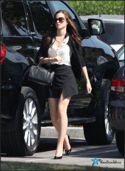 The Bling Ring, le nouveau Sofia Coppola avec Emma Watson Tumblr_m2b3zf1sKa1qe0clqo6_250