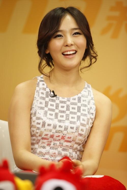 [صورة] Sunye من Wonder Girls تحتل المرتبه #3 كــ أجمل إبتسامة للعين لـمجلة ماليزية  Tumblr_kxtct6Dp811qa89e9o1_500
