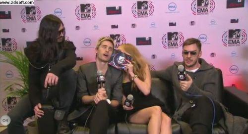 MTV EMA Cérémonie - Page 9 Tumblr_lbjdp2s86w1qa8mcro1_500