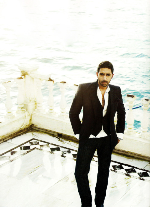 Abhishek Bachchan - Stránka 2 Tumblr_lgjqfatTAR1qg06l9o1_500