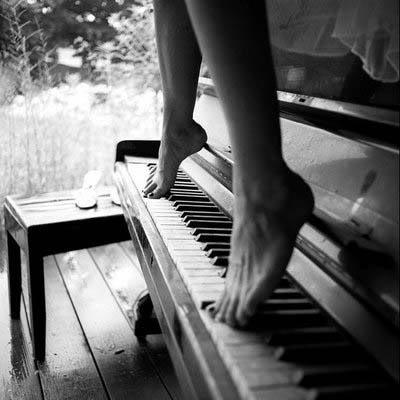 My feet tired from walking Tumblr_ll5p1ueadQ1qg1up1o1_400