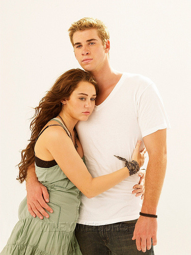 Miley Cyrus and Liam Hemsworth. - Page 2 Tumblr_lm0s61gPAd1qj7co0o1_400