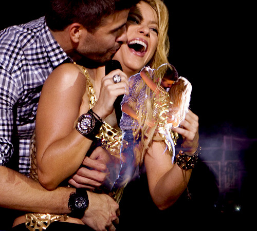 Shakira and Pique. Tumblr_lmhtpnPq5A1qkiwkro1_500