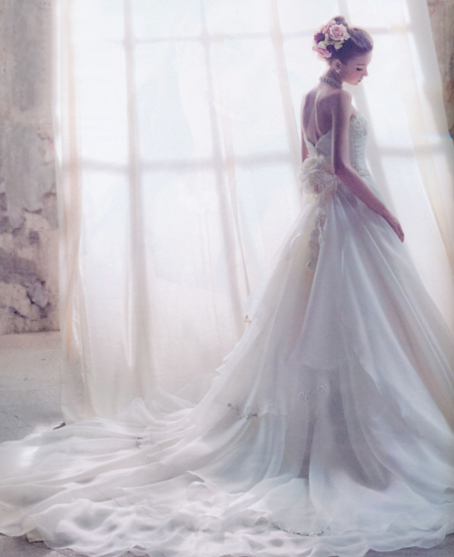 Wedding Dresses. - Page 6 Tumblr_loaib6AmDn1qmjtado1_500
