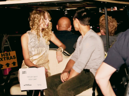 Taylor Swift and Taylor Lautner. - Page 2 Tumblr_lobh4y7mHP1qmvomgo1_500