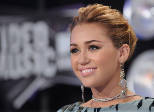 Miley Cyrus [2] - Page 3 Tumblr_lqp9ouR9Wd1qb75pco1_500