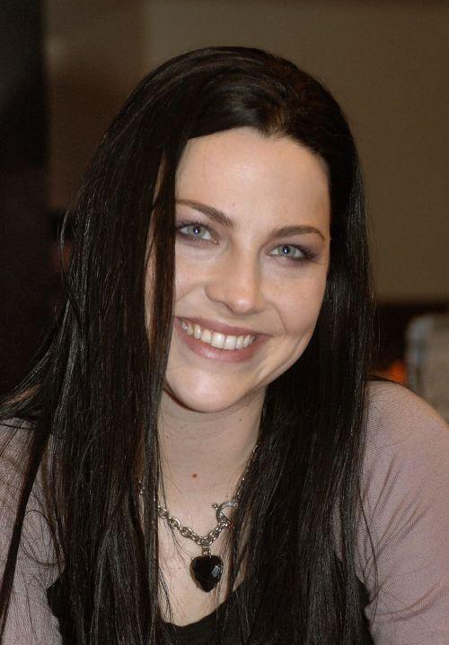Evanescence - Page 2 Tumblr_lvrbimss151r7dq7po1_500