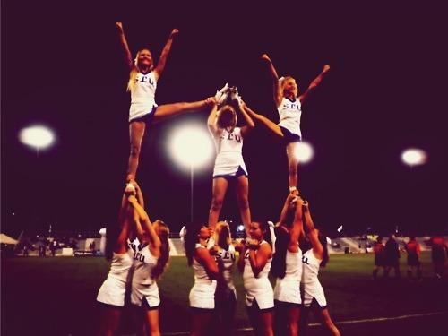 Cheerleading  Tumblr_lxwz7wyMHG1r69hryo1_500