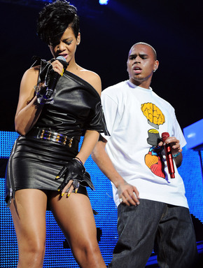 Chris Brown and Rihanna. Tumblr_lzjiaol37A1r71wm1o3_400