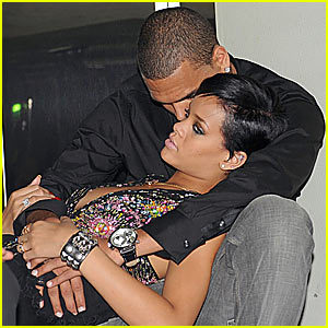 Chris Brown and Rihanna. Tumblr_lzkqd9Acqu1r2789go7_400