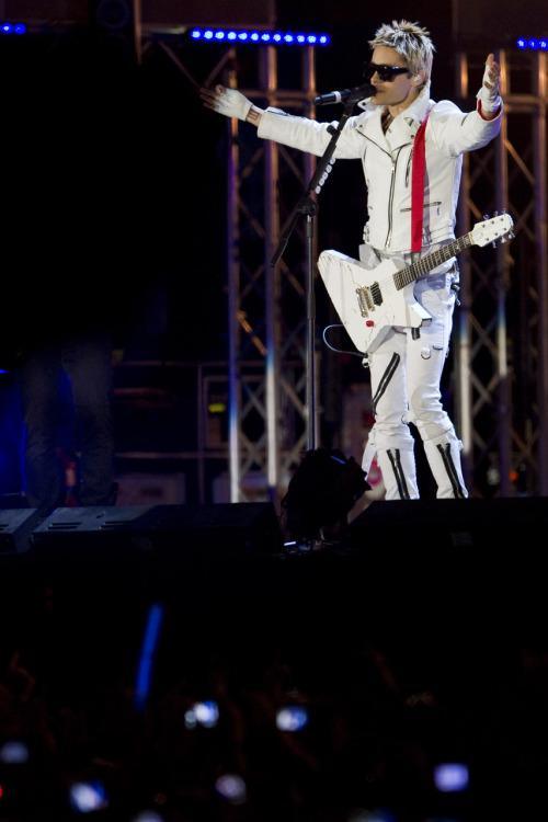 MTV EMA Cérémonie - Page 9 Tumblr_lbj67kuPWL1qzc9e9o1_500