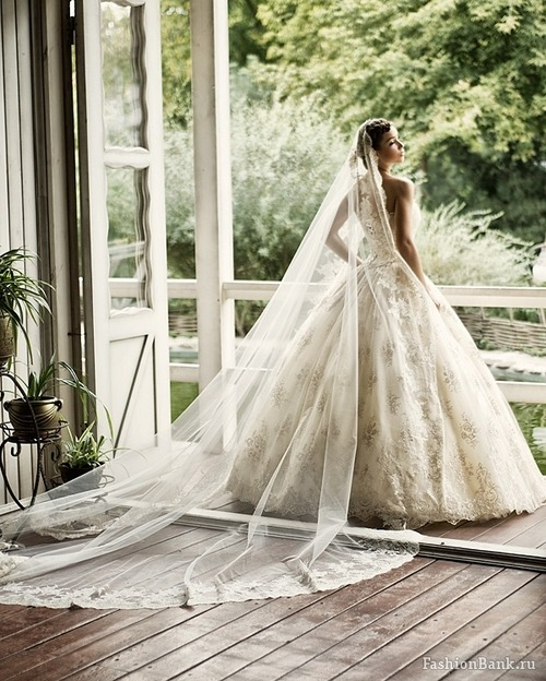 Wedding Dresses. - Page 2 Tumblr_ldhbgwJ6JX1qausdfo1_500