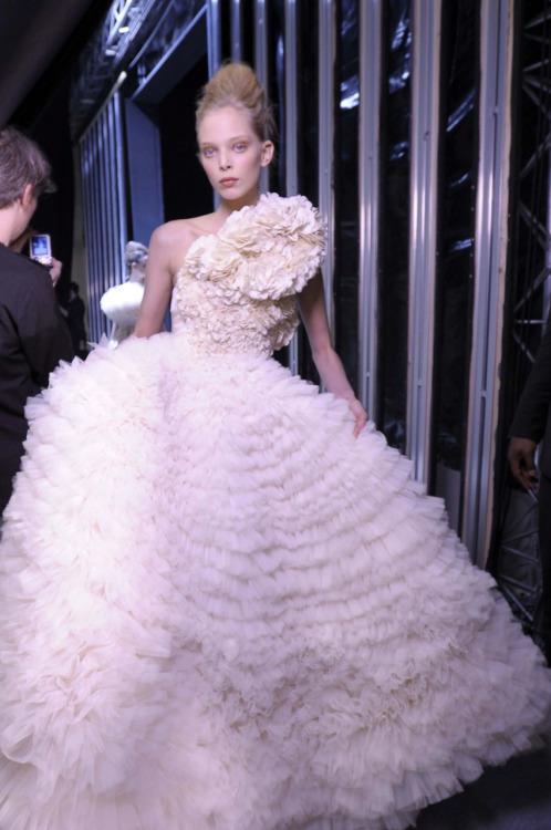 Wedding Dresses. - Page 3 Tumblr_leck163BpC1qad56lo1_500