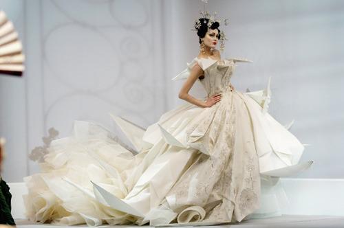 Wedding Dresses. - Page 6 Tumblr_lg3p80o3je1qcqne7o1_500