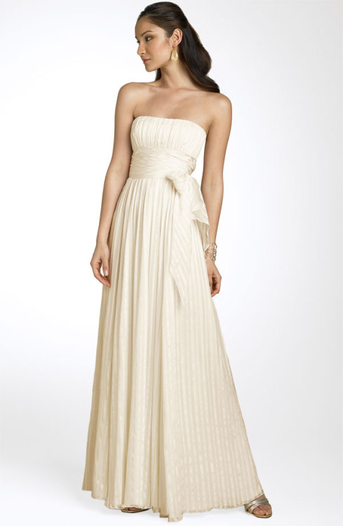 Wedding Dresses. - Page 7 Tumblr_lg5u3fCAaK1qgk8mio1_500