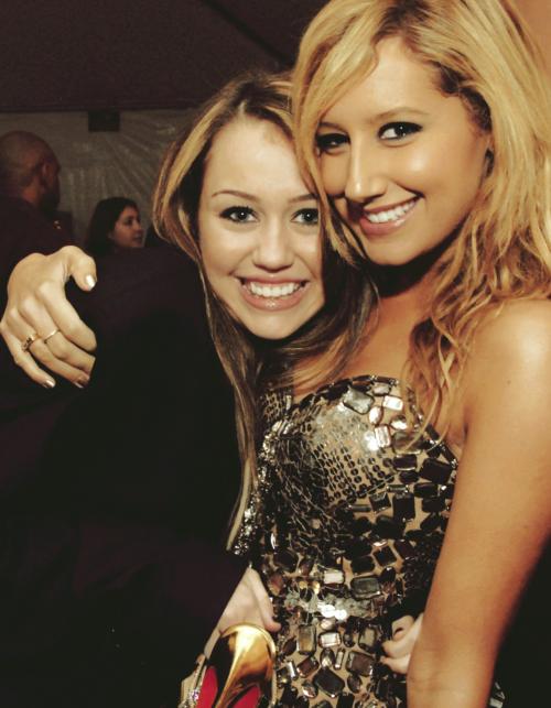 Ashley Tisdale and Miley Cryus Tumblr_lg99q43xr81qfj5jmo1_500