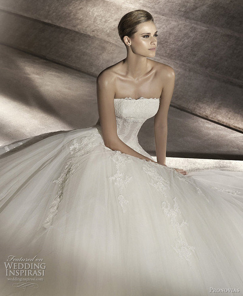 Wedding Dresses. - Page 4 Tumblr_lk48evoIAv1qausdfo1_500