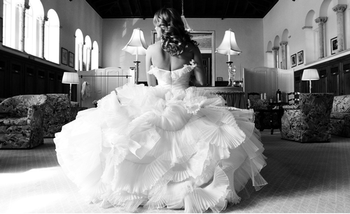 Wedding Dresses. - Page 4 Tumblr_lk48xyJreO1qausdfo1_500