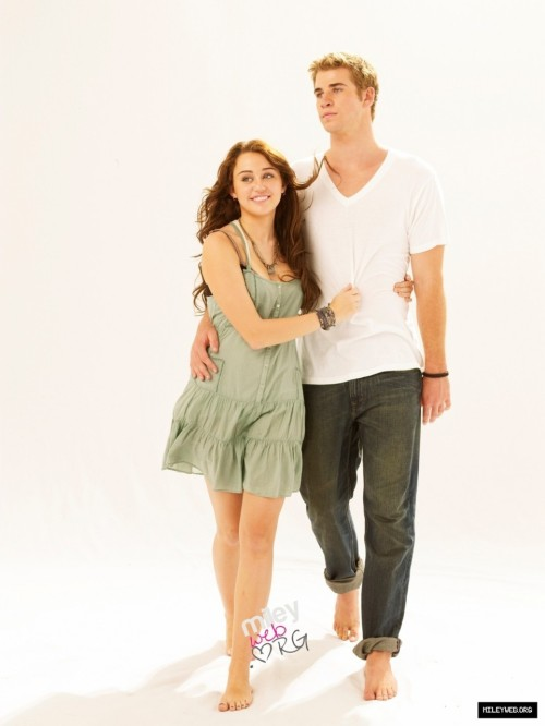 Miley Cyrus and Liam Hemsworth. - Page 2 Tumblr_lm0s3pJD161qj7co0o1_500