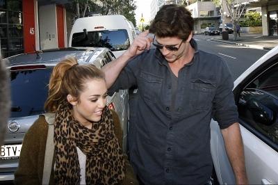 Miley Cyrus and Liam Hemsworth. - Page 2 Tumblr_ln3j0wk5vW1qba0o9o1_400