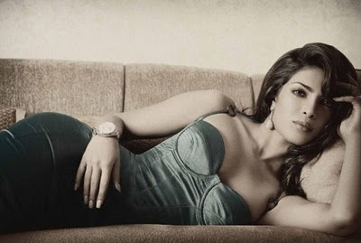 Priyanka Chopra - Stránka 3 Tumblr_lnwt516oyA1qmuu4to1_400