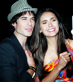 Nina Dobrev and  Ian Somerhalder. - Page 5 Tumblr_loukhndweT1qkaq8to2_250