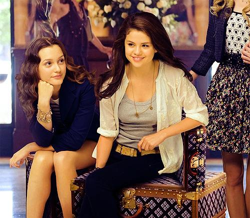 Selena Gomez - Page 40 Tumblr_lpr3j3mZYH1ql1a4eo1_500