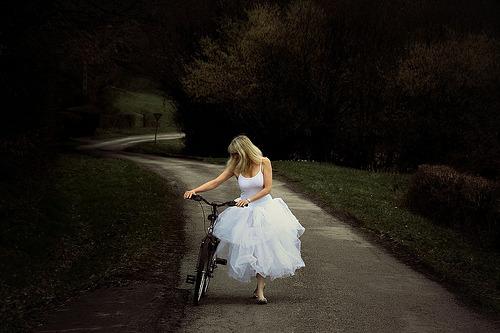 Wedding Dresses. - Page 6 Tumblr_lsd3fk3zsa1qa2txho1_500