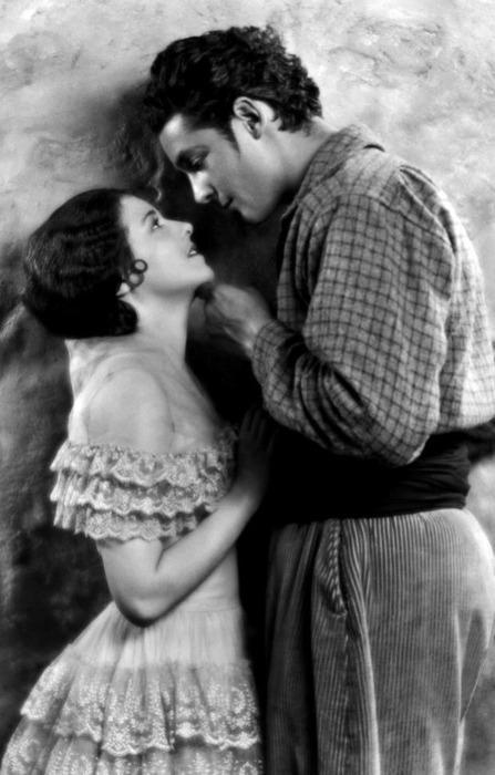 Les plus beaux couples du cinéma de l'âge d'or Tumblr_lsmwsrSGNu1qbxoi2o2_r1_500