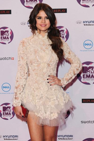 Selena Gomez[2] - Page 38 Tumblr_lu96pyNiG41qa6i1co1_400
