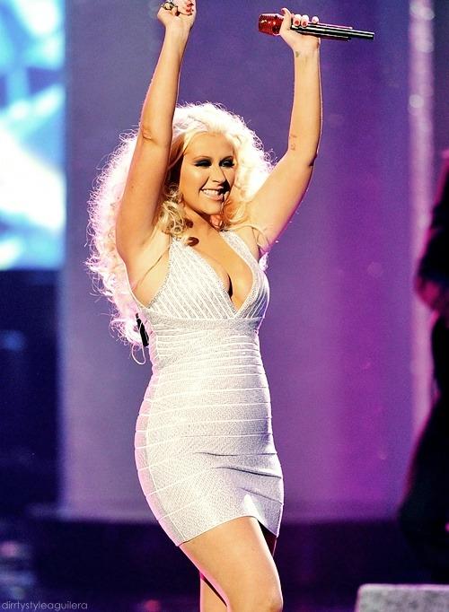 [Tema Oficial] Christina Aguilera en los American Music Awards (20/11/11) - Página 2 Tumblr_luzsz1YHwE1qac72ho1_500